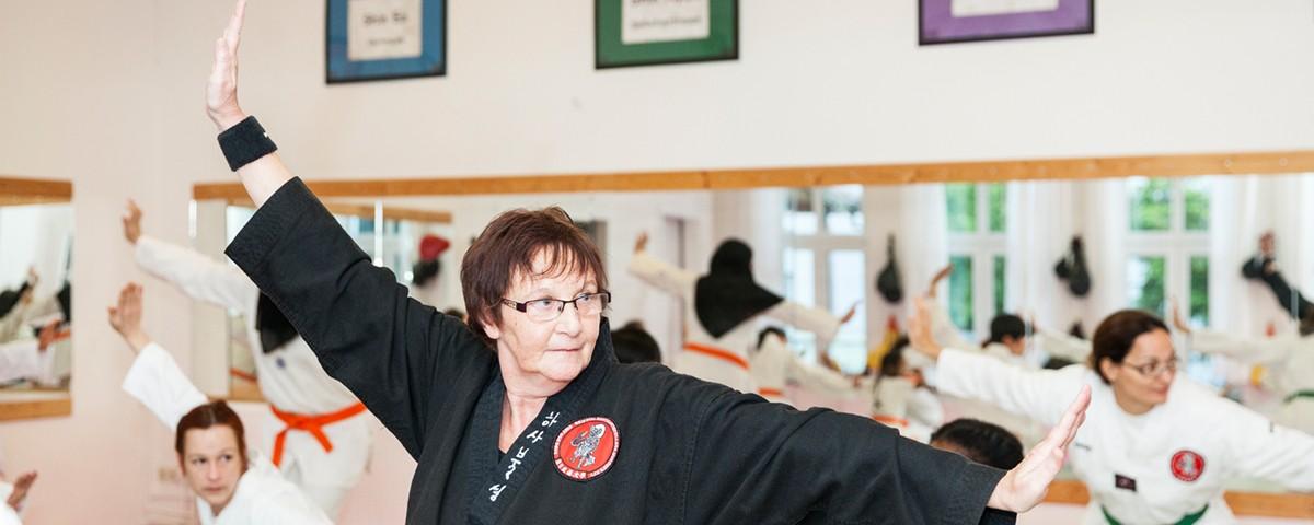 Songmoo Kampfkunstschule für Frauen und Mädchen in Offenbach